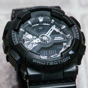 Casio Accessories - Casio G-Shock watch -- black